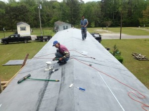 Rubber Roofing For Your Mobile Home – Not Everyone Is Qualified